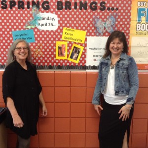 Gail de Vos and me: ready to present and, as always, to learn from our students.